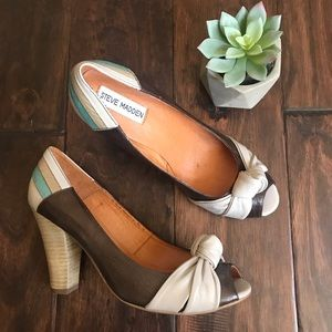 Steve Madden Brown Leather Peep Toe Knot Heels